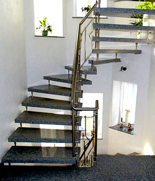 Offene gewendelte Treppe Granit