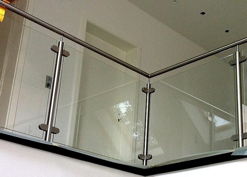 Treppengelander Aus Edelstahl Holz Glas Klepfer Natursteinwerk